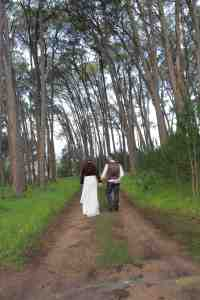 www.creativenook.co.za_photography_event-coordination_minette&chris_forest_walkiing